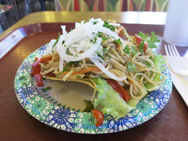 画像2: 前回、サンフランシスコにあるグアテマラ料理店、Universal Bakeryを紹介したが、実はその数日前、ロサンゼルスでもグアテマラ料理店に寄っていた。店名は Guatemalteca Bakery Restauran ... 続きを読む → yakitan.info