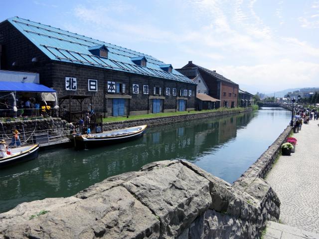 小樽運河は人気の観光スポット