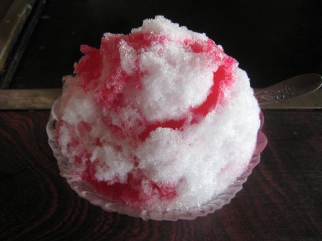 カキ氷 イチゴ味 250円