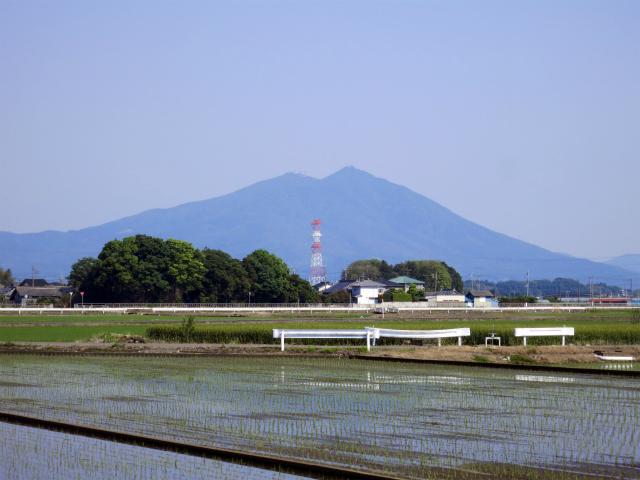 関東平野に聳える筑波山