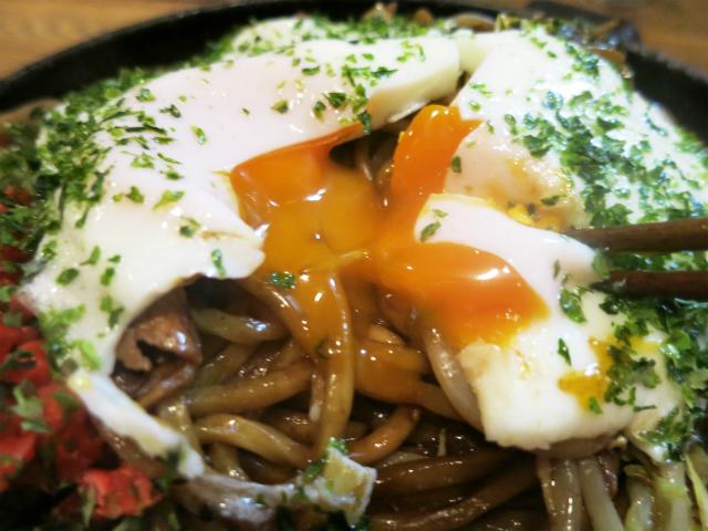 川越太麺焼きそばに倣ったもっちり生麺