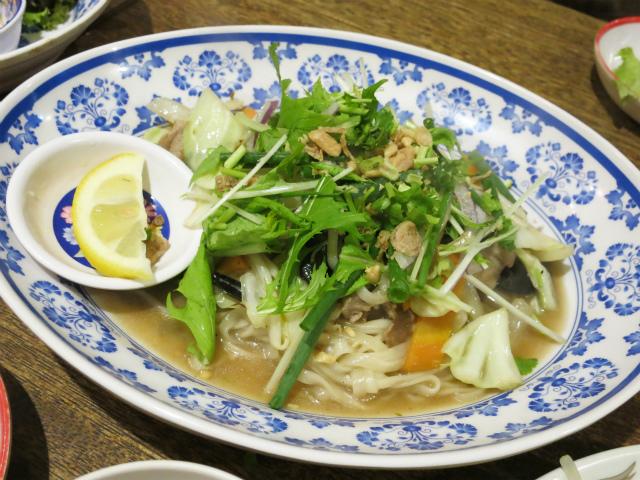 豚肉と野菜の炒めフォー 890円