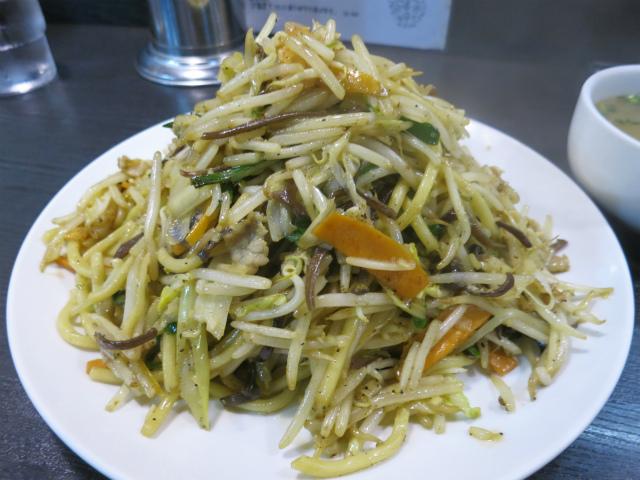 炒麺(チャーメン) 950円