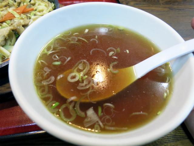 付け合せのスープは落ち着く味わい