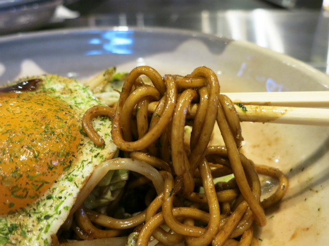 茹でたて生麺のモチモチ食感が素晴らしい