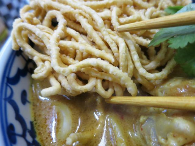スープの滲みた揚げ麺が美味い