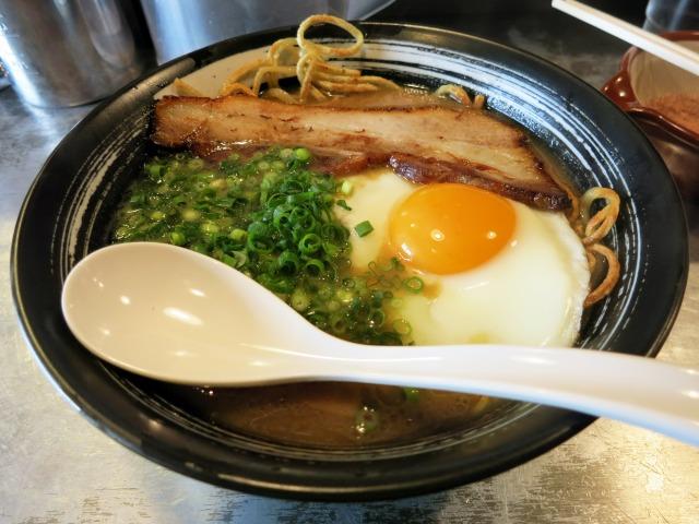 目玉焼麺 800円
