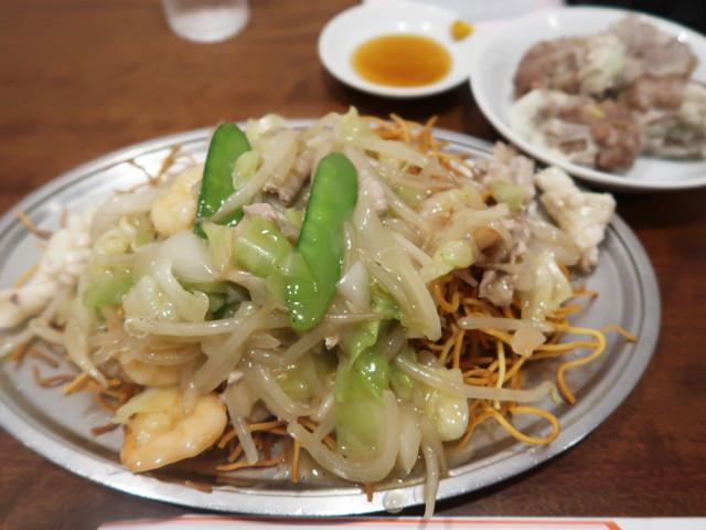 揚州炒麺と焼売