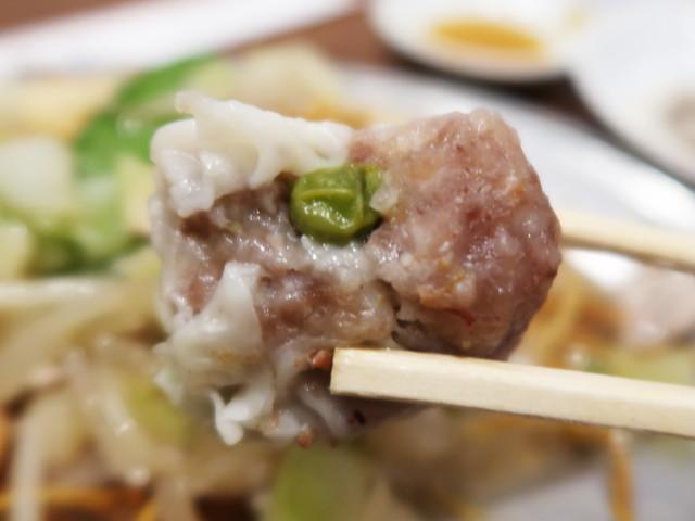 肉の塊、食べ応え充分