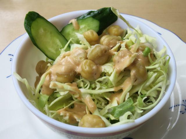 ランチ用サラダ ひよこ豆が美味しい