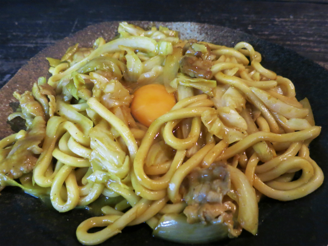 三浦独特のカレー焼きうどん