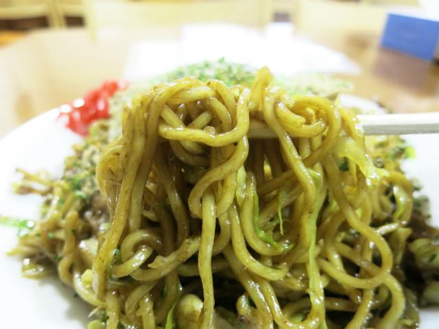 伊藤商店の麺を使用