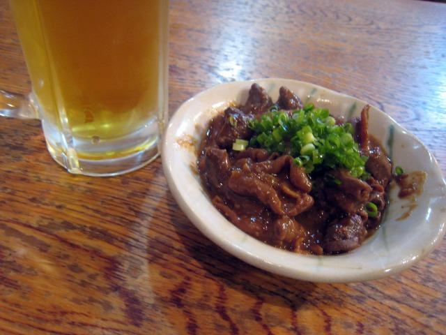 生中ビール500円+どて煮400円