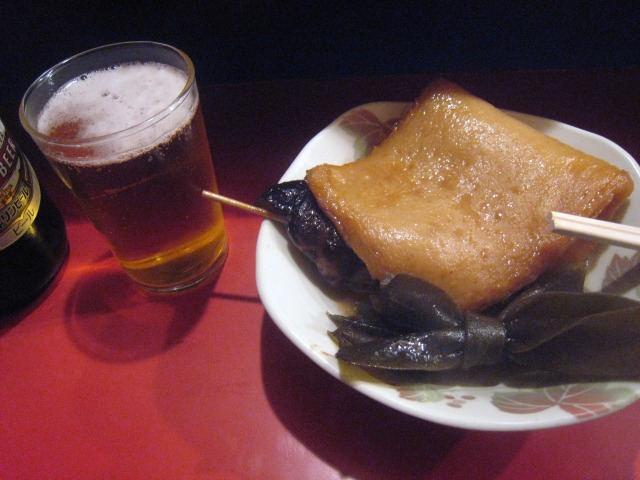小金ちゃんにて、おでんとビール