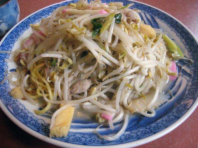 春駒食堂の皿うどんは太麺でした