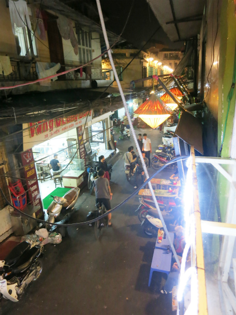 Tạ Hiện の路地を見下ろす