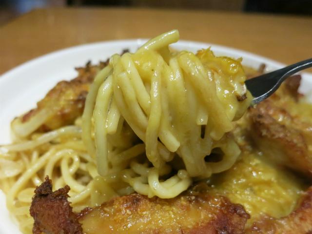 スパゲティとココナッツミルクの中華料理