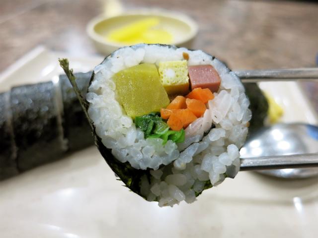 元祖のり巻き(원조김밥/ウォンジョキンパッ) ₩1,500