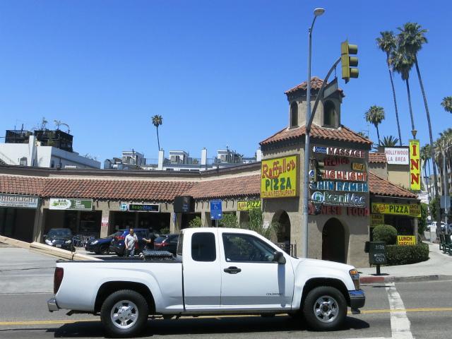 Hollywood Blvd沿いの複合商業施設