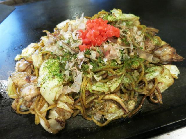 いか・ぶた・えび野菜焼きそば 940円