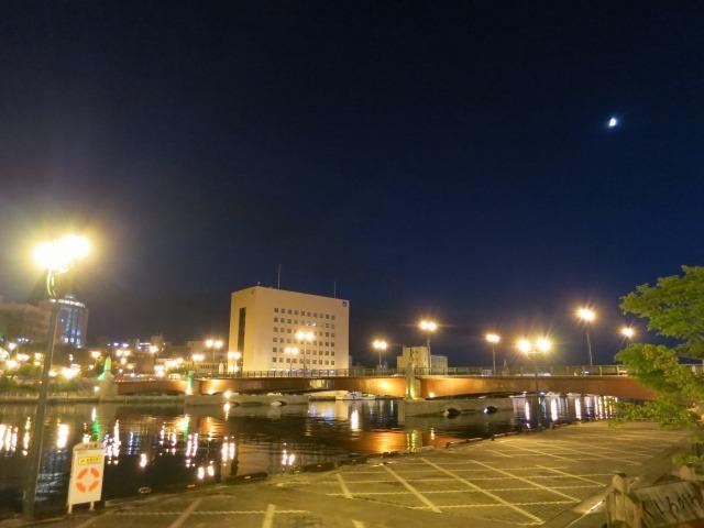 釧路川に架かる幣舞橋