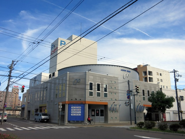 サテライト松風の建物の脇