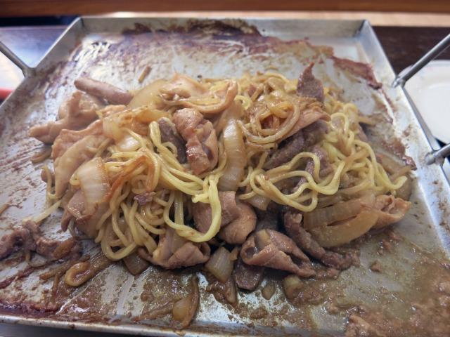締めの麺(157円)を投入