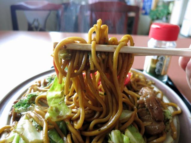 もっちりした太麺が美味