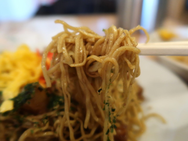麺は極細の平打麺