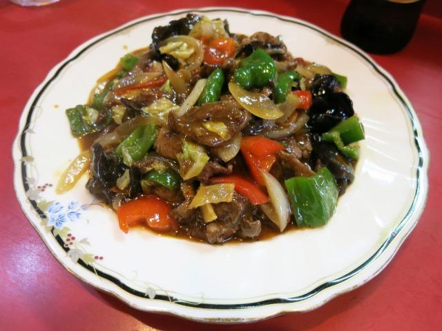 ゴイロセイ(ラム肉と野菜の炒め物) 850円