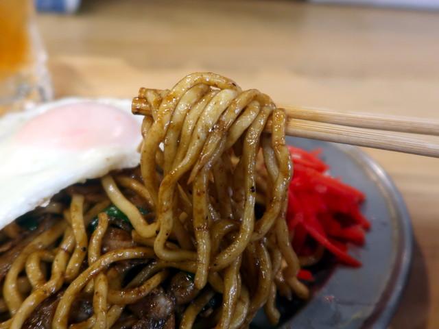 麺は沖縄そば用らしい