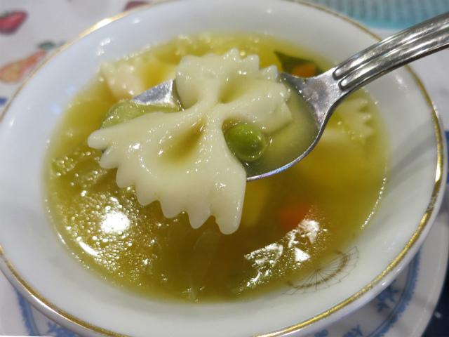ソパ・デ・ポジョ(Sopa de Pollo)