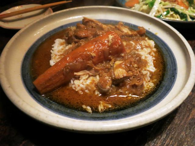 ミャンマー風チキンカレー 800円