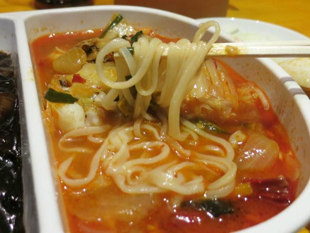 韓国式チャンポンは旨辛スープ