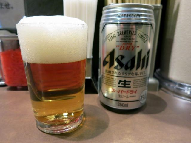 缶ビール(400円)はアサヒスーパードライでした