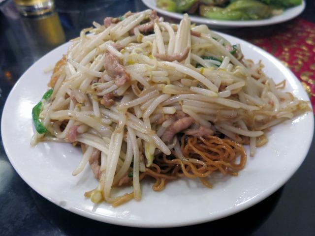 肉絲炒麺(豚肉トモヤシヤキソバ) 980円