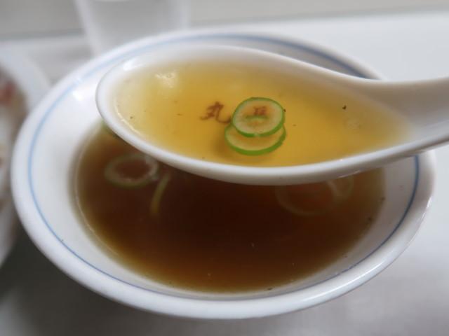 付け合せのスープはあっさり風味
