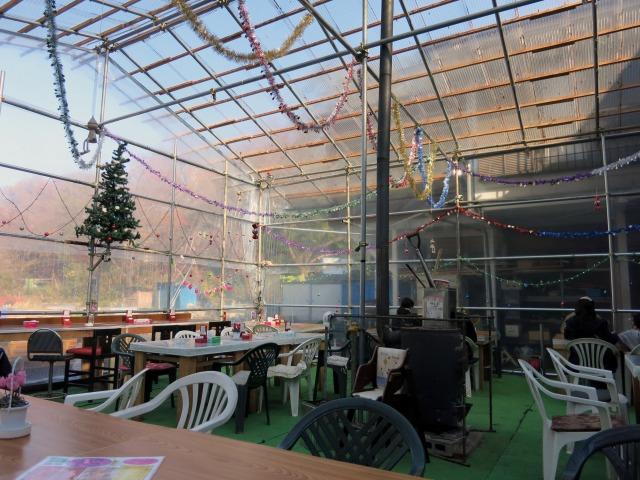 つり堀 武蔵野園 食事スペース