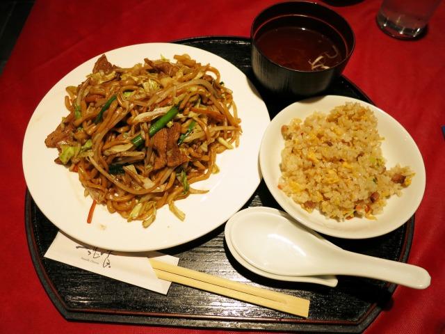 上海焼きそば+ミニ炒飯のセット 972円