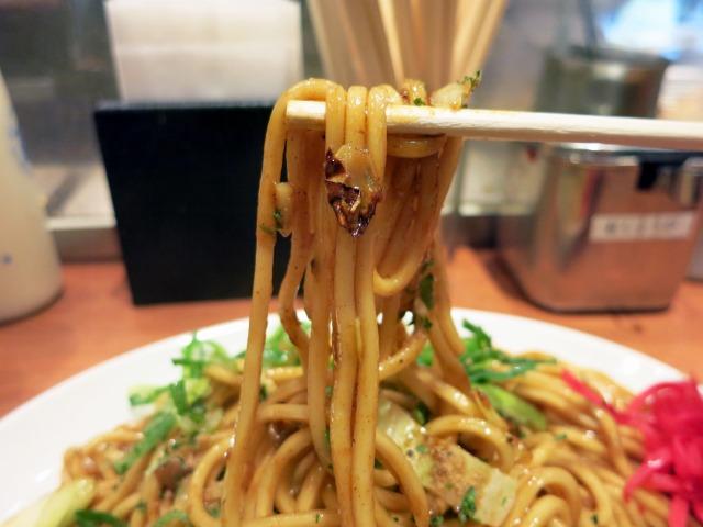 モチモチの太麺にコッテリソース