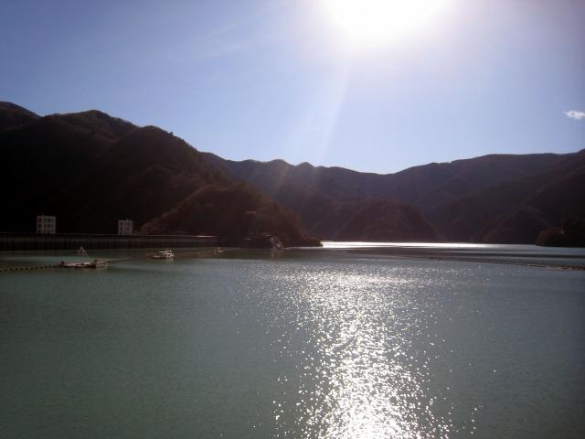 東京の水がめ 奥多摩湖
