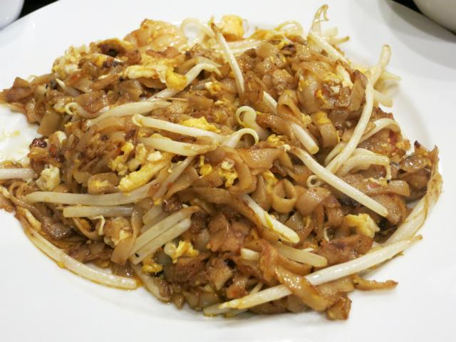 クイティアオ(粿條)と呼ばれる平たいライスヌードル