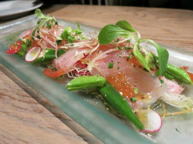 季節の魚のカルパッチョ 1200円