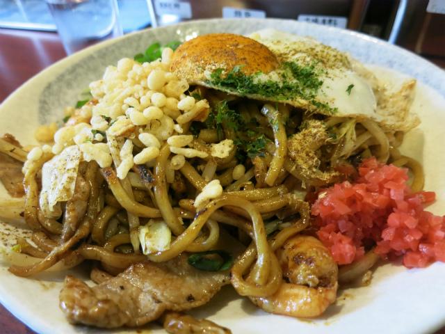 麺はかなりの太麺です