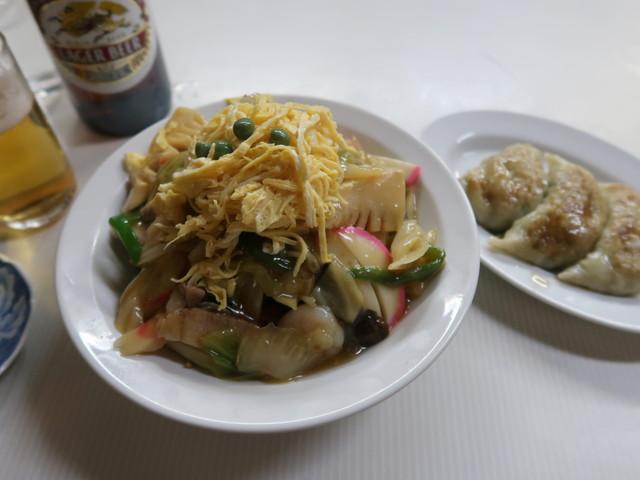 カタイ焼ソバと餃子
