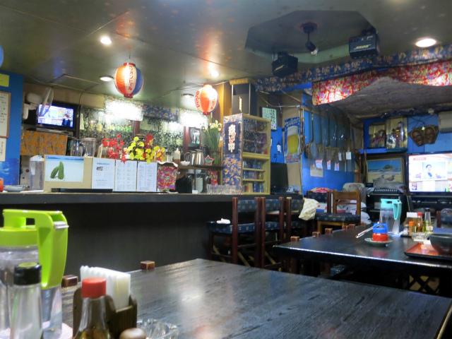 沖縄料理店 結まーる 店内の様子