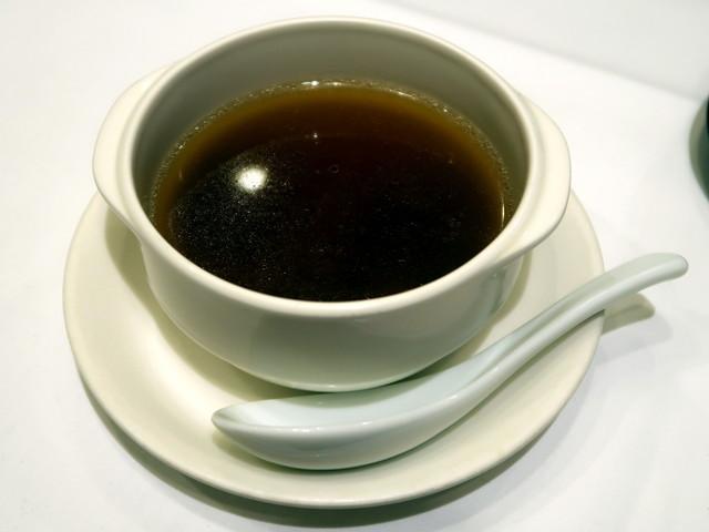 上湯燉花菰/花椎茸の蒸しスープ 1,800円
