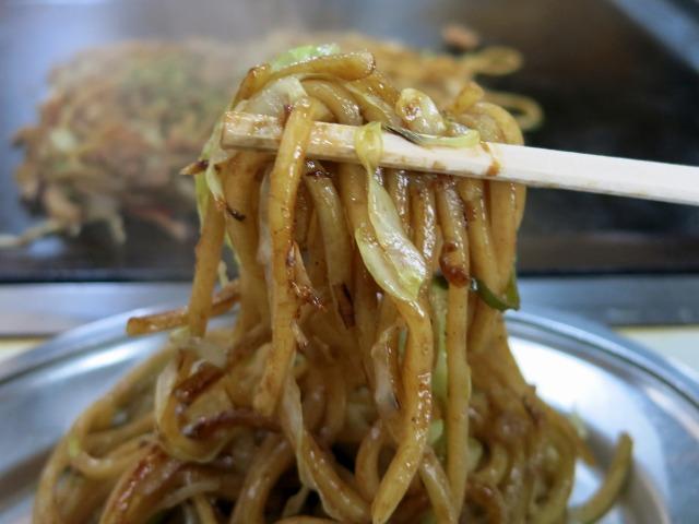 モチモチ・シコシコの太麺が美味い!