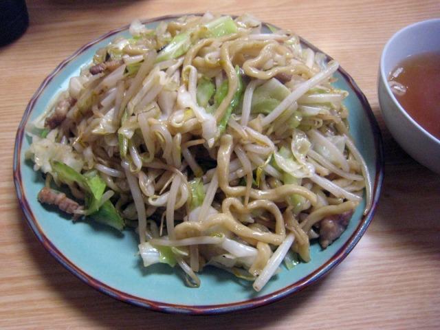 炒麺(炒めそば) 670円