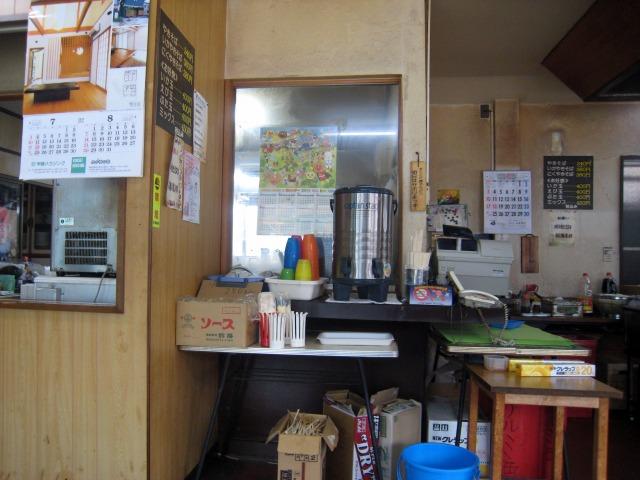 小林やきそば店 厨房の様子